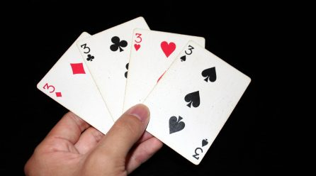 How are points calculated in rummy