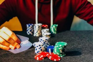 Reason for online poker games being popular